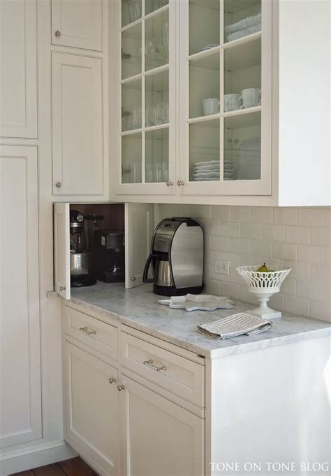 what to do with corner kitchen cabinets 17 best ideas about corner cabinets on corner