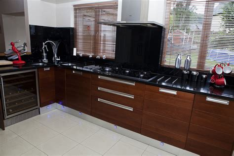 Walnut High Gloss Kitchen by High Gloss And Walnut Contemporary Kitchen Parle