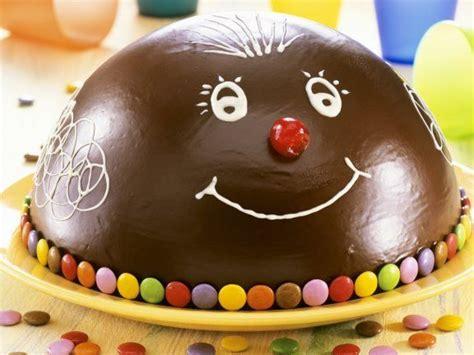 lustige kuchen kindergeburtstag 220 ber 1 000 ideen zu lustige geburtstagskuchen auf