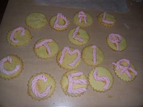 lettere con pasta di zucchero letterine di pasta di zucchero