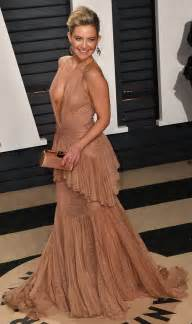 Vanity Fair Movie Review Kate Hudson Is A Staple At The Vanity Fair Oscar Party