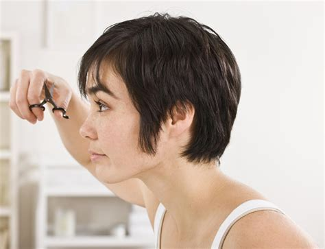 how yp cuy sides of your hair at an angle a guide to cut your own hair go for it girls