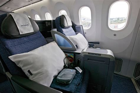 united airlines dreamliner business class review a