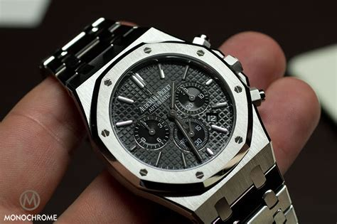 Jam Tangan Pria Audemars Piguet Roo Diver Chronogrpah Silver Yellow reviewing audemars piguet royal oak luxury watches