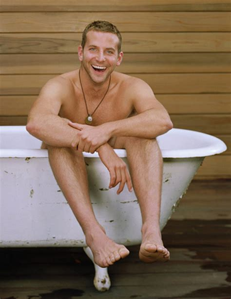 guys in bathtubs straight jock feet bradley cooper s size 14 feet