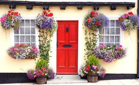 Hanging A Front Door Home Design Make The Finishing Touches Yours Dig This