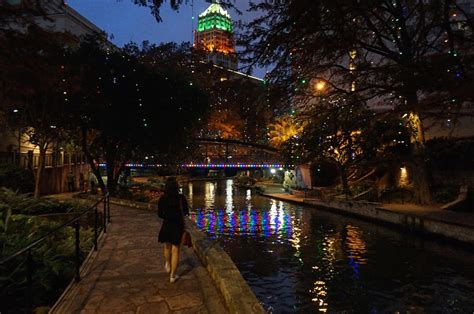 san antonio riverwalk lights lights on the san antonio river walk a