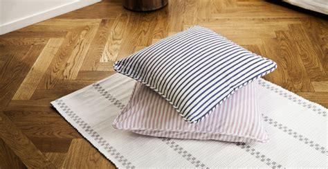 tessuti a righe per divani dalani tessuti a righe alternanza di linee colorate