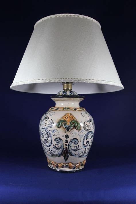 lade in ceramica lumi da tavolo in ceramica lumi da tavolo o gialli
