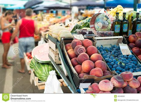 imagenes mercados verdes mercado verde foto de stock imagem 40348083
