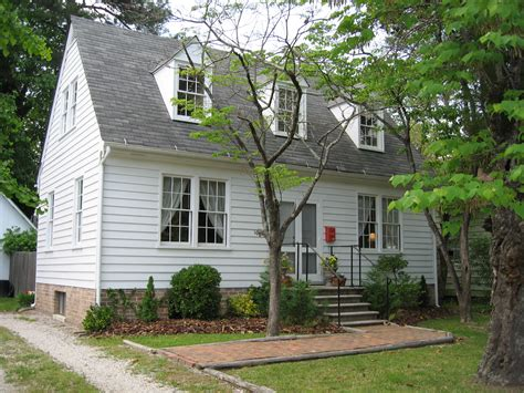 Small Colonial House | 14 delightful small colonial homes building plans online