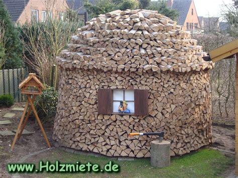 buchenholz ohne maschinelle hilfe zerkleinert