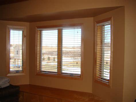 bay window window treatments living room bay window treatment ideas elegant living room