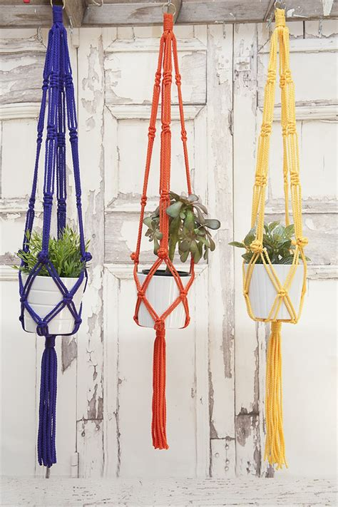 Macrame Knots Plant Hangers - cool macrame plant hanger ideas for your sweet home