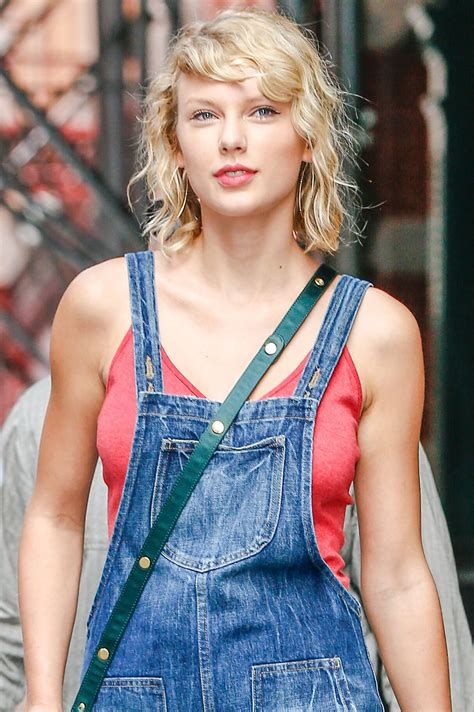 taylor swift taylor swift cute outfit ideas leaving her apartment in