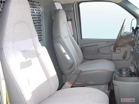 chevy express seats image 2005 chevrolet express cargo 3500 135 quot wb rwd