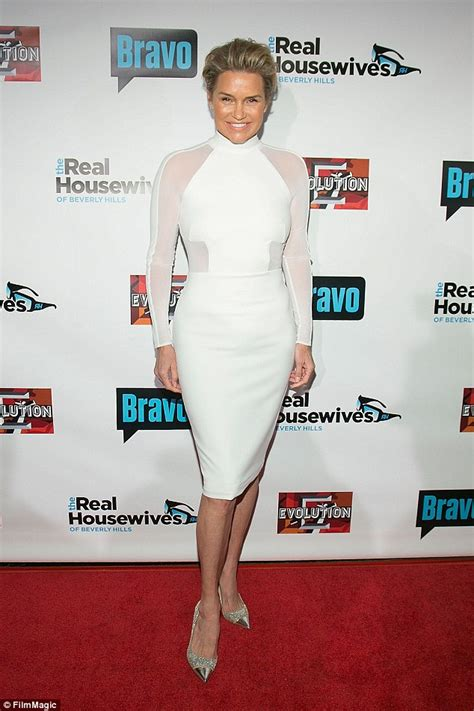 yolanda foster does she have fine or thick hair yolanda hadid will chronicle lyme disease fight in new