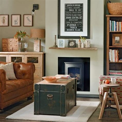living room trunks storage trunk vintage living rooms and trunks on pinterest