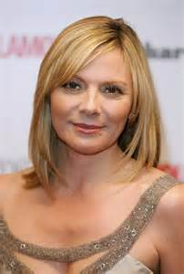 hairstyles for 47 yr with thin hair kim cattrall hollywood actress style