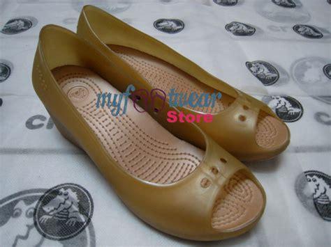Sepatu Boot Crocs myfootwearstore pusat sepatu crocs murah surabaya carlisa wedge 2 original