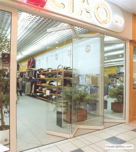veranda apribile vetrine per negozi chiusure per attivit 224 commerciali