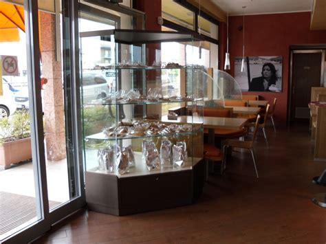 vetri per tavoli vetrinette mensole e tavoli in vetro vetri su misura
