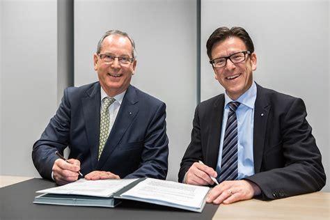 Adac Kfz Versicherung Forum by Adac Und Zurich Verl 228 Ngern Kooperation Onvista