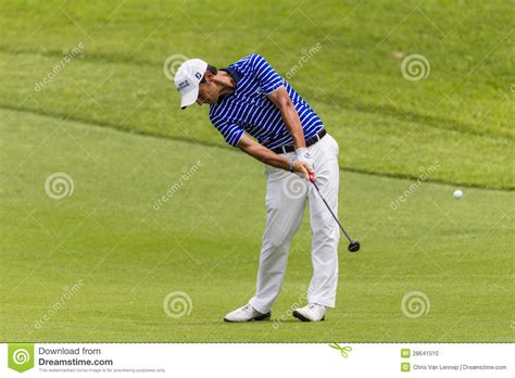 swing pro golf golf pro manessero swing editorial image image 28641510