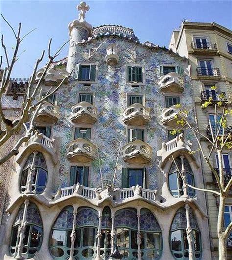 barcelona architecture antonio gaudi and barcelona the culture mobile