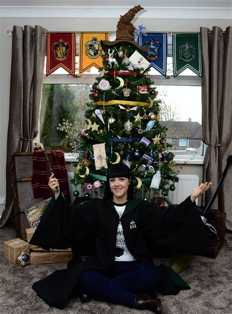 harry potter christmas decorating ideas we can t believe how great this harry potter tree is metro news