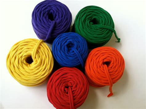 with tshirt yarn 2 upcycle demystifying t shirt yarn series what is