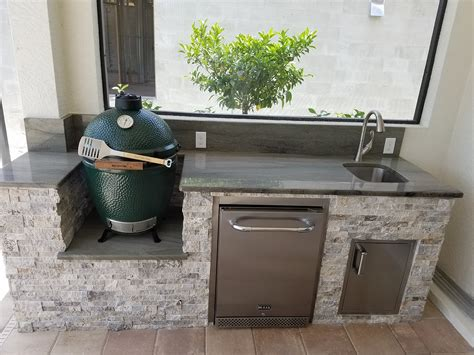 Travertine Tile Outdoor Kitchen by The Big Green Egg Outdoor Kitchen Outdoor Kitchens