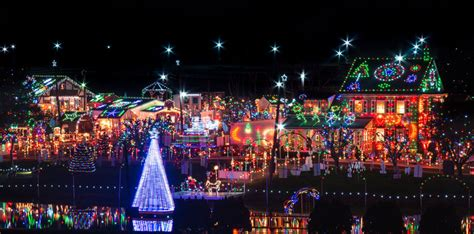 mind blowing xmas light decoration  koziars christmas village tourism news