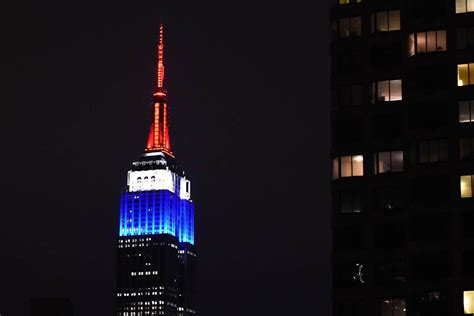 empire state color empire state building pays tribute to victims nbc
