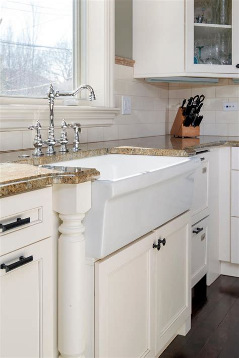 Farmhouse Sink Ideas by Fantastic Farmhouse Sinks Apron Front Sinks In Gorgeous