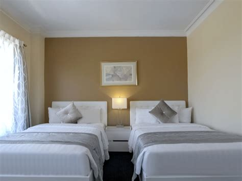 hotel suites in chicago with 2 bedrooms downtown chicago accommodations congress plaza hotel