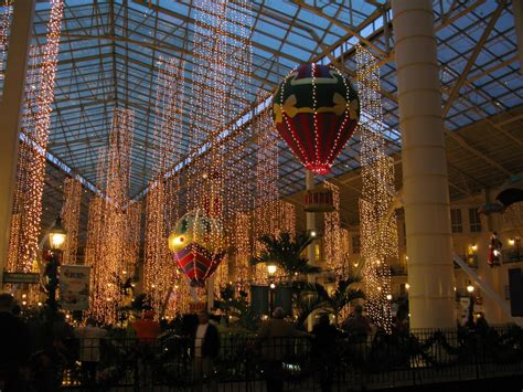 c2c christmas light up at opryland nashville