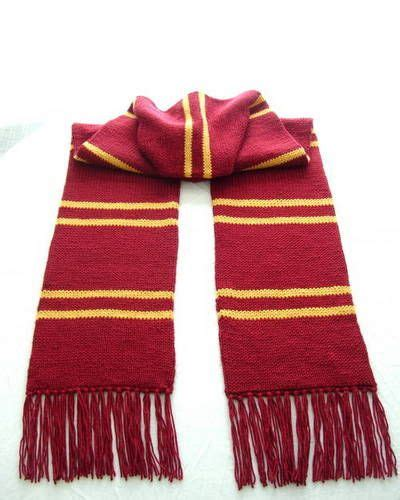 knitting pattern for tubular scarf gryffindor scarf trapped bar style double knit or knit