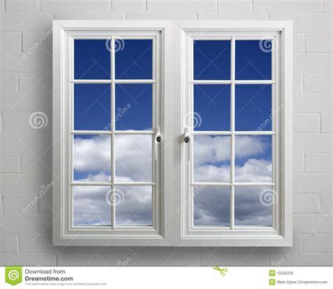 imagenes libres de ventanas ventana moderna del pvc del blanco con vista del cielo