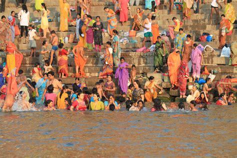 bagno gange l hindouisme plus fort que l 233 cologie le cas gange la