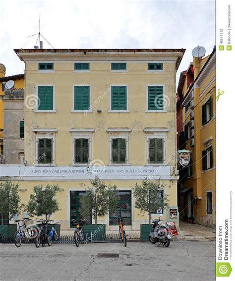 ufficio turistico rovigno centro turistico rovigno fotografia editoriale immagine
