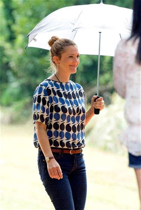 Drew Barrymore Wardrobe by Pics Denim Sun And Casual Styles