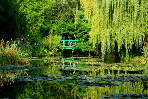 garten monet file lilly pond monet s garden jpg wikimedia commons