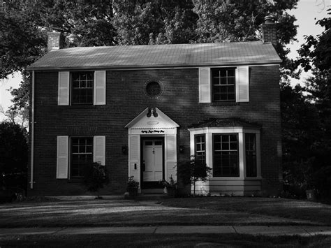 st louis haunted houses this quaint looking house located in st louis missouri