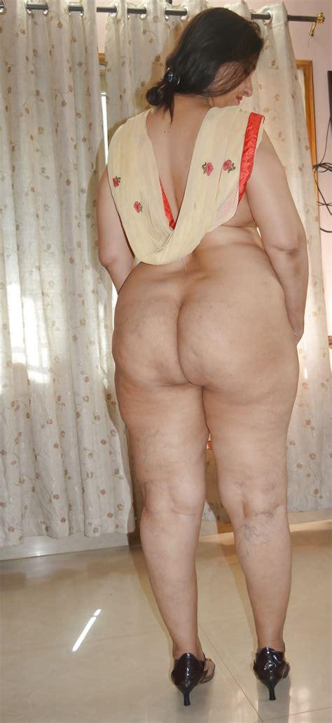 Desi Aunty Saree Remove Pic देसी लड़की की नंगी फोटो