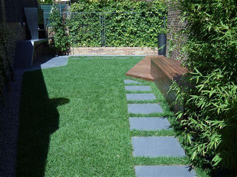 jardines con poco mantenimiento jard 237 n moderno madera ip 201 madera para exteriores madera