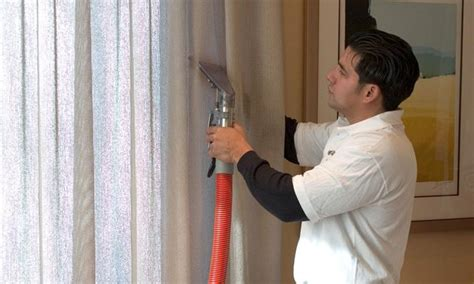 steam cleaning drapes at home ج2 تريدين ان تكون ستائرك نظيفة وبراقة اتبعي الخطوات