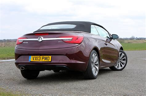 vauxhall convertible vauxhall cascada convertible review 2013 parkers