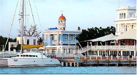 bareboat monohull paradise adventures - Bareboat Hire Vanuatu