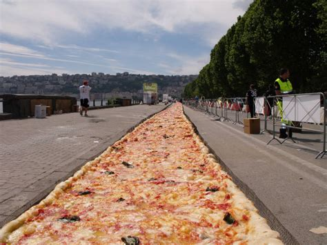 Pizza Of Records Naples And The Record Of The Pizza In The World